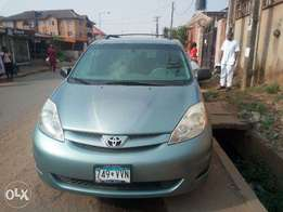 Clean Toyota Sienna 2008 for Sale (American Used)