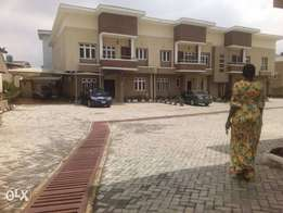 Fully furnished 5 bedroom duplex at ADENIYI Jones ikeja.