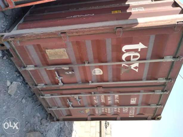 20ft container room available