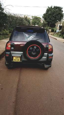 its a car for sale Kampala - image 2