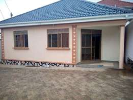 3bedroomed house in kira at 700k(stand alone)