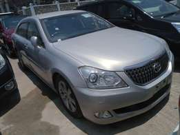 Toyota Crown Majesta 2010 model KCN number Loaded with alloy rims ,