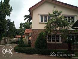 5bedroom fully detached duplex at Maitama for sale with Garden