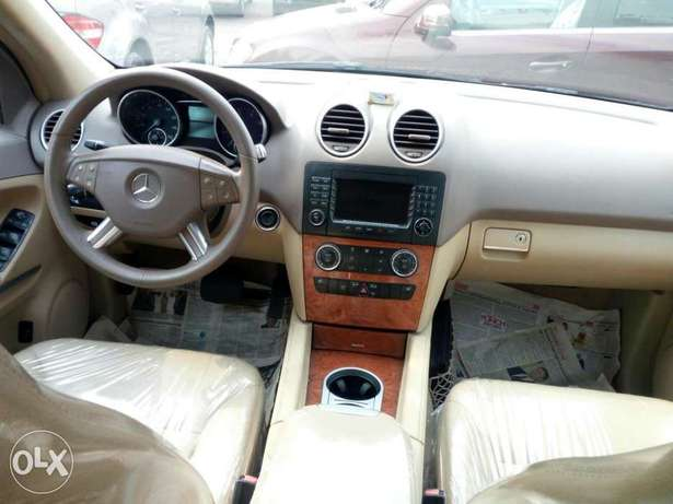 Foreign used 2007 Mercedes Benz Ml350 4matic. Direct tokunbo Lagos Mainland - image 6