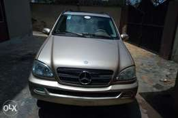 Registered 2003 model ML320 in an excellent working condition.