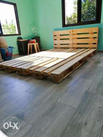 Wood creative palettes large bed تخت طبالي خشب مفرد ونص