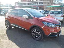 A Renault capture Turbor Auto, 2015 model, factory a/c, c/d player,