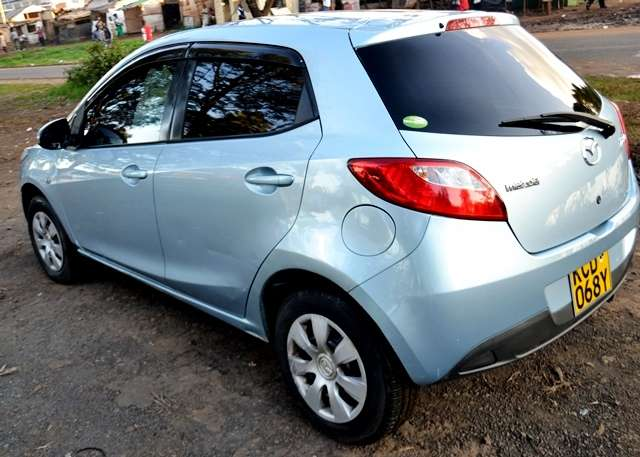 Quick sale on this well maintained Mazda Demio new shape 2008 make KCD Muthaiga - image 3
