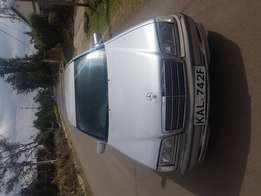 Mercedes-Benz C180,Manuel year 2000,2000Cc,111 engine asking ksh570000