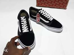"""The Original Vans """"OFF THE WALL"""" Sneakers"""