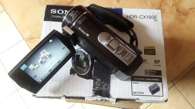 Sony Handycam HDR-CX190E, Full HD, excellent condition, Potchefstroom - image 1