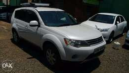 Mitsubishi Outlander 4wd SUV,asian owner,7 seater,excellent condition