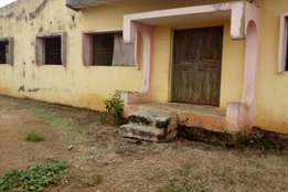 Open plan hall with 4 bedrooms flat for sale in Dada Estate. Osogbo.