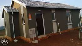 A brand new 6 roomed house with the insuit for hire.
