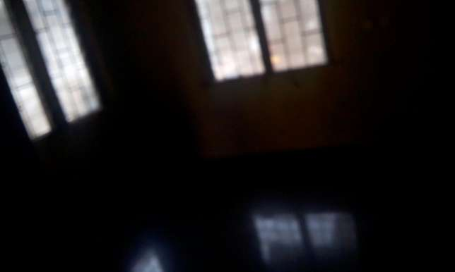To let one room self contain. Serious client call only Ikotun - image 4