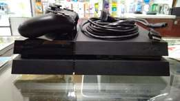 PS4 Console 500gb+Pad+Games