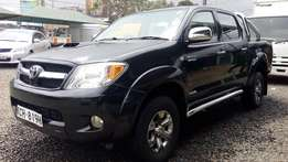 Toyota hillux double cab automatic .