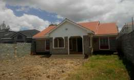 This is a very nice 3 bedroom master ensuite bungalow in ongata Rongai