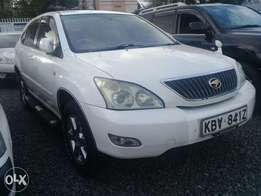Quick sale Toyota harrier very clean.
