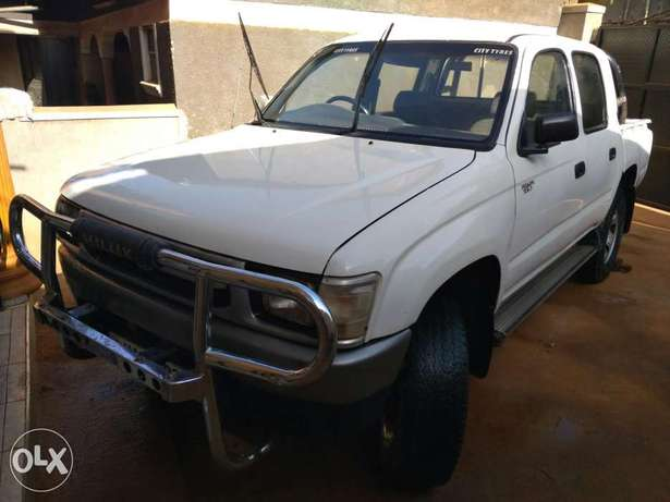 Toyota Hilux &Nissan hard body, 2000 and 2003 models. Kampala - image 5