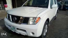 Reg. but not used 2007 sparkling and sound Pathfinder with chilling AC