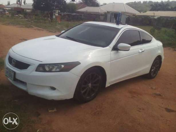 Smooth Honda 2008 coupe with perfection Abuja - image 1