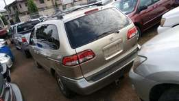 Toyota sienna 2002 model very clean buy and drive