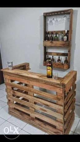 Pallet wood bar with stand بار خشب طبليات