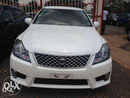Toyota Crown Athlete Fully loaded Pearl white KCN WITH DEAL buy and dr
