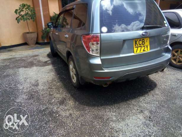Subaru Forester Non Turbo 2000cc lady owned clean just buy and drive Nairobi CBD - image 1