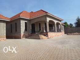 Newly constructed home of 4 Bedrooms for sale in Luzira