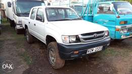 Very clean Toyota Hilux Double cabin model 2003