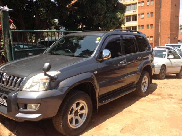 A Prado TX on quick sale Kampala - image 2