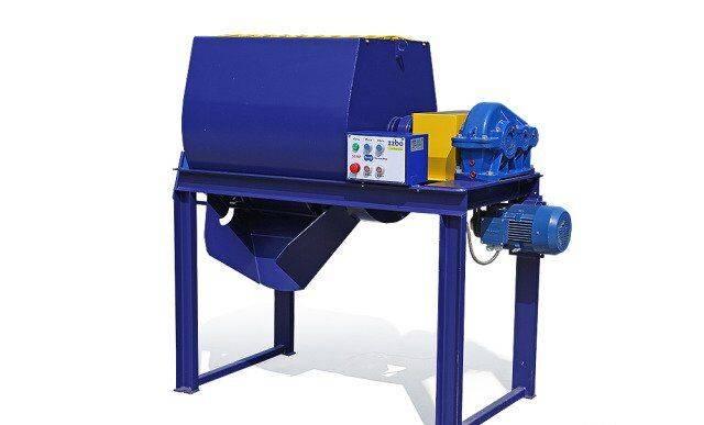 Betonosmesitel bp-1G-300 (0,3 m3) 6 m3 v chas concrete mixer