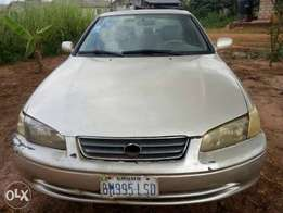 Toyota Camry Drop Light in a fairly good state for Sale.