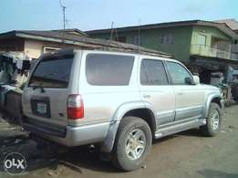Nigerian used Toyota 4 Runner (2000 model) Suv in perfect condition