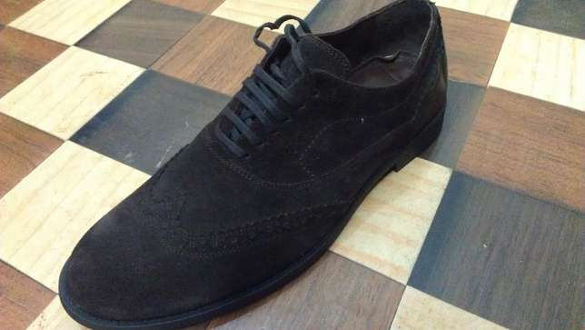 an authentic ZARA MAN pure suede leather wingtip derby size 43(uk 9) Kampala - image 3