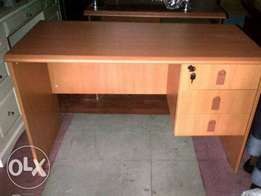 Standard 4ft office table 0945