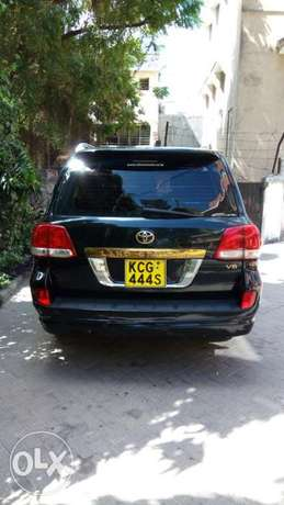 Very clean in a very good condition Mombasa Island - image 1