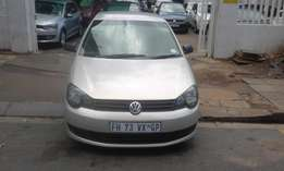 Vw polo vivo 1.4 silver in color 2012 model hatshback 89000km R87000