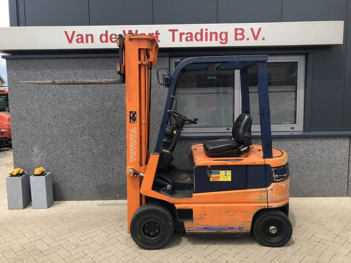 heftruck TOYOTA FBM16 triplo550 freelift 1992 met lader - 1992