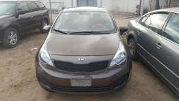 Super clean 2014 kia rio for sale