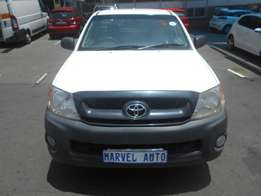 2009 Toyota Hilux 2.0 l For R120,000