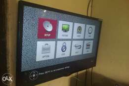 "32"" ,Lg LED Brought brand new very clean"