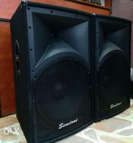 "dj speakers 15"" + 2 stands like new"