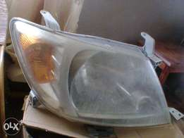 From 2009 Toyota HiLux right heard lamp
