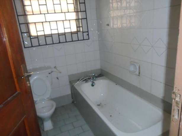 A well finished 2 bedroom bungalow at Eliowhani farm road by Deliosa h Port-Harcourt - image 3