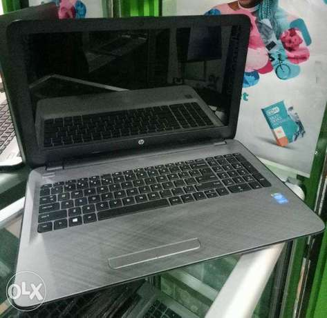 Clean HP 15 Notebook. Core i3. 2.2GHz. 4GB RAM. 500GB HDD. Nairobi CBD - image 1