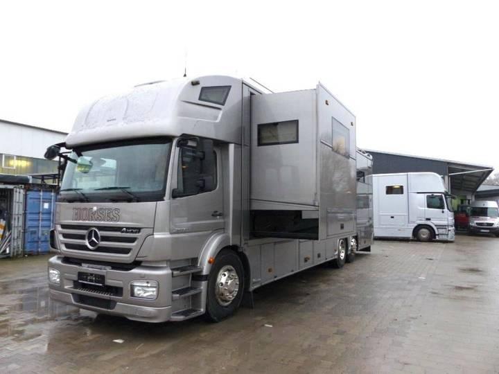 Mercedes-Benz Pferdetransporter - 2010