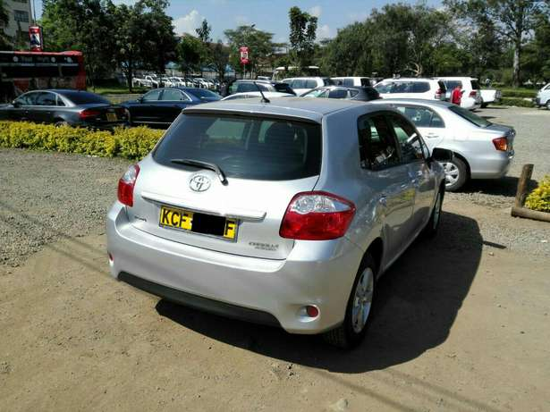Silver Toyota Auris For Sale. Great Deal!!! Hurlingham - image 4
